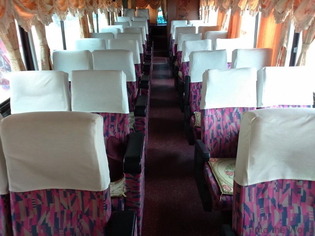 メコンエクスプレス(Mekong Express) メコンバス 車内