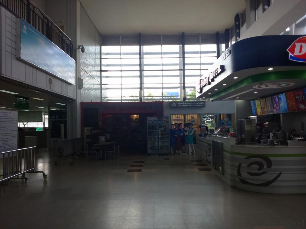ワットタイ国際空港 ラオス ビエンチャン