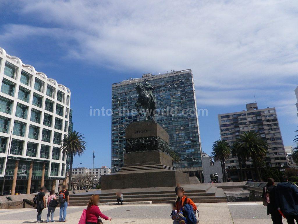 ウルグアイ モンテビデオ 独立広場