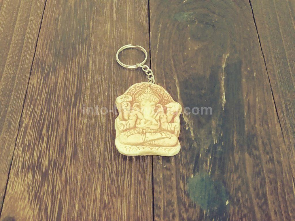 カンボジアのキーホルダー(ガネージャ)